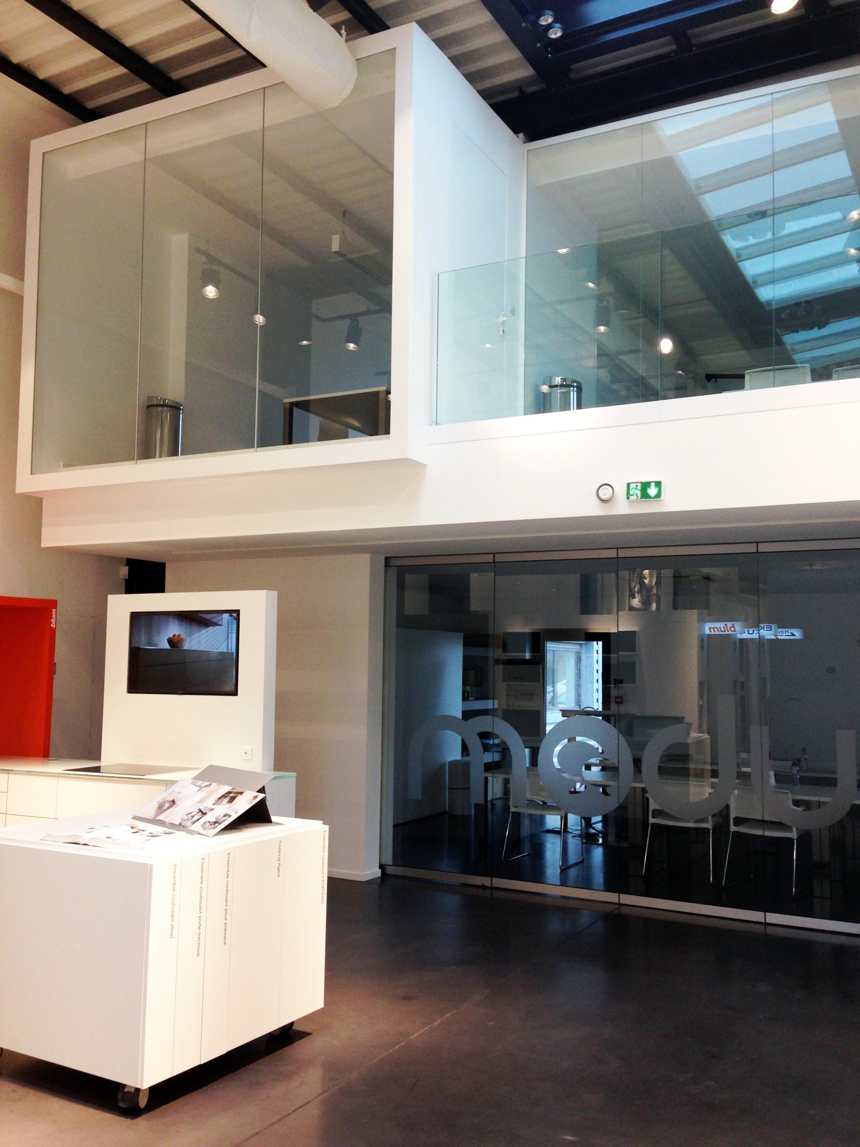Concept store du showroom module by lmc situ decines lyon 69000 guillaume da silva - Guillaume da silva ...